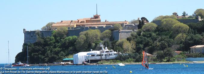 5 îles à découvrir à partir de la Côte d'Azur